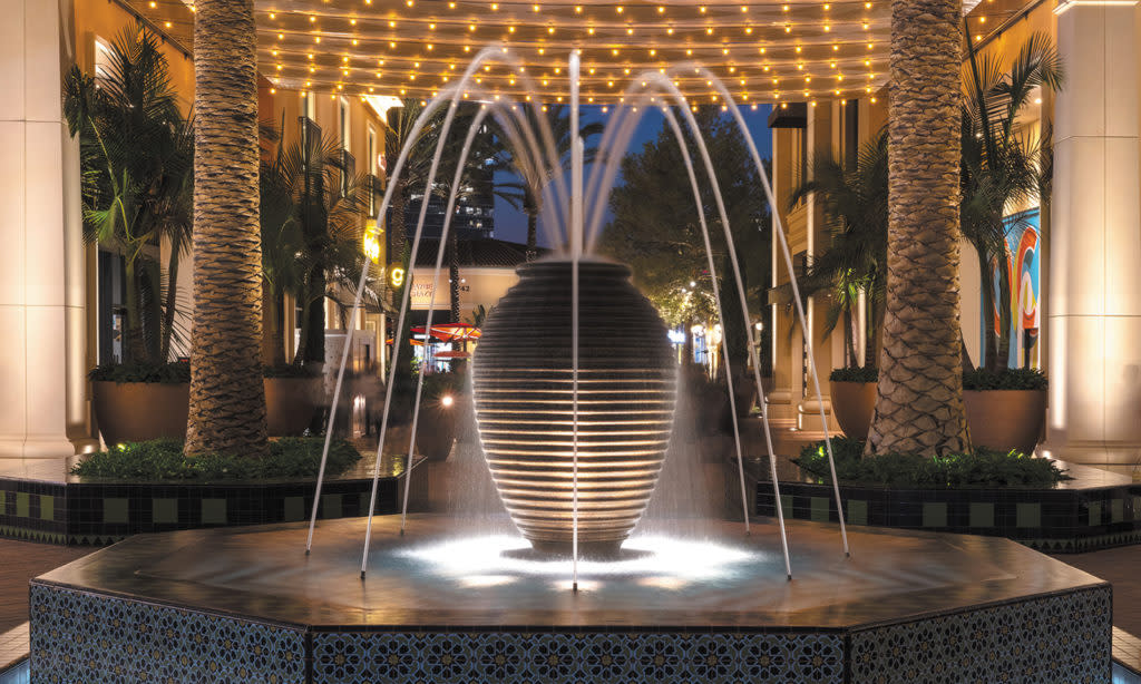 Water Fountain At The Irvine Spectrum Center