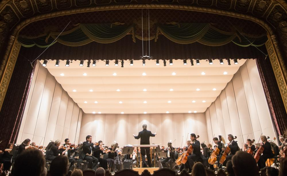 Copy of Fort Wayne Philharmonic in concert at Embassy Theatre