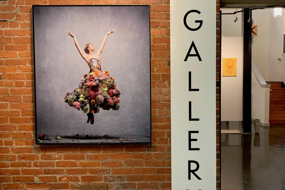 YJ Contemporary Fine Art Gallery
