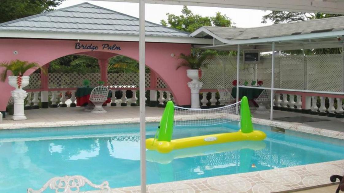 pool_gallery