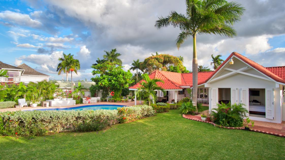 The Lawn at Sunspot Villa