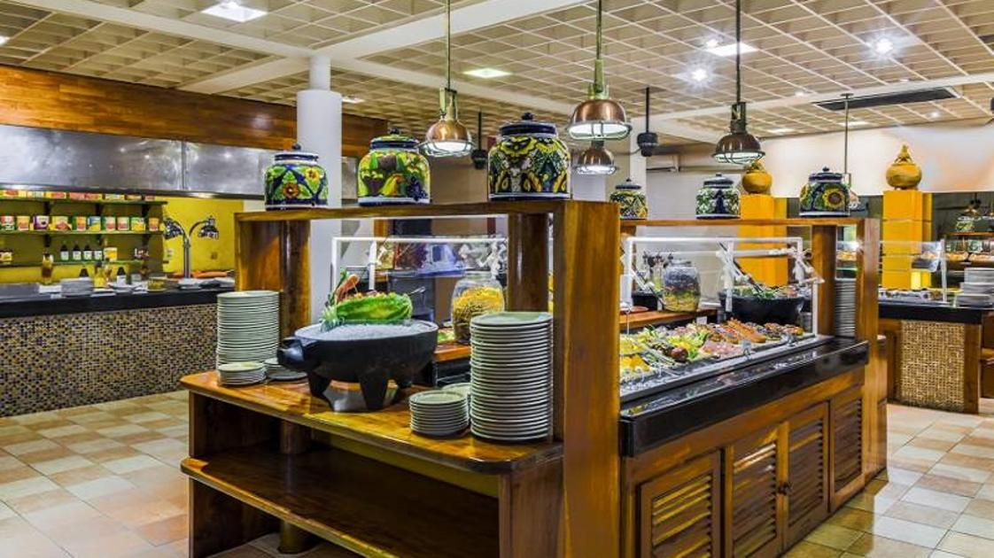 Buffet- Royal Decameron Montego Beach