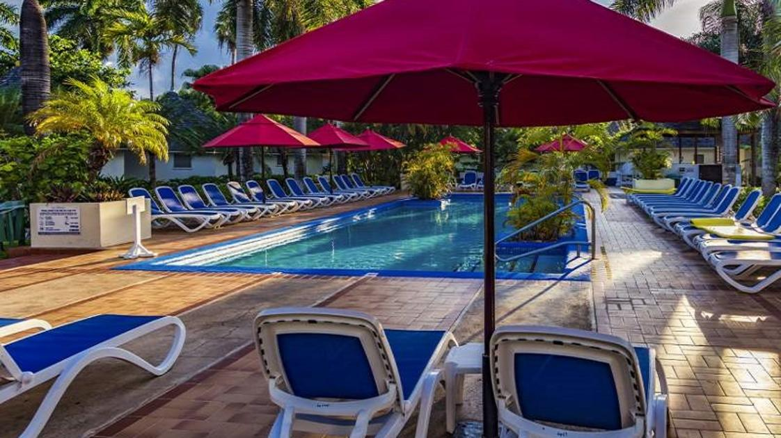 Piscina-Royal Decameron Club Caribbean2