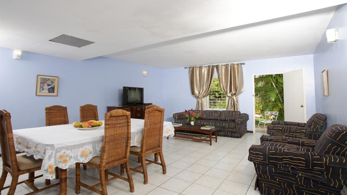 The Gardens - Living Room