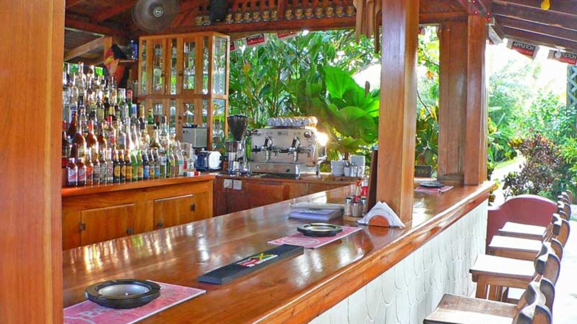 Sunrise Club bar