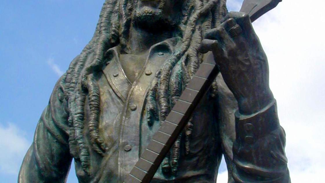 bob.statue1