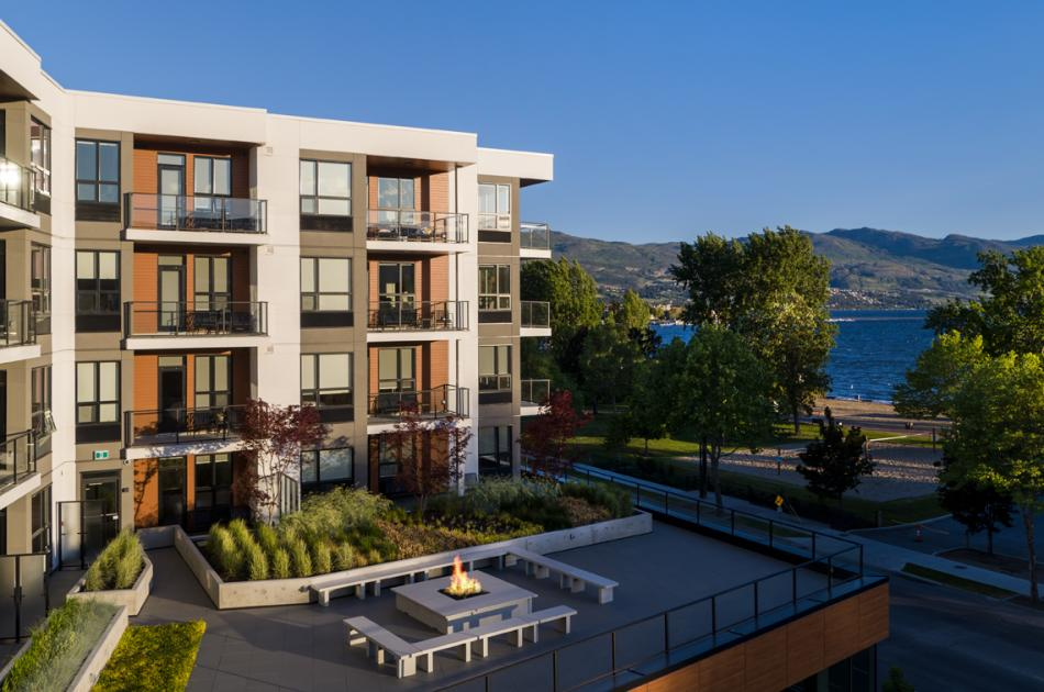The Shore Kelowna - Outdoor Terrace