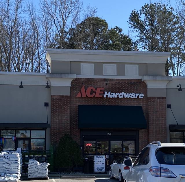 Ace Hardware 40_42 2000x1500 72dpi