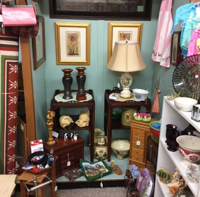 Cleo's Closet Booth