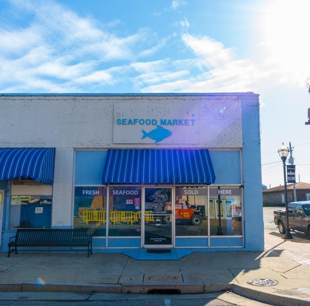 D's Seafood Market Exterior 2000x1500