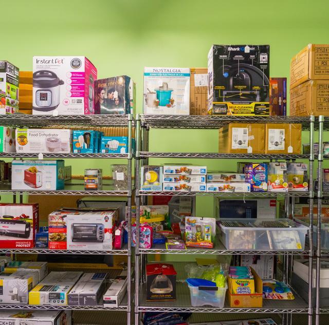 Deals & Steals Shelves 2000x1500