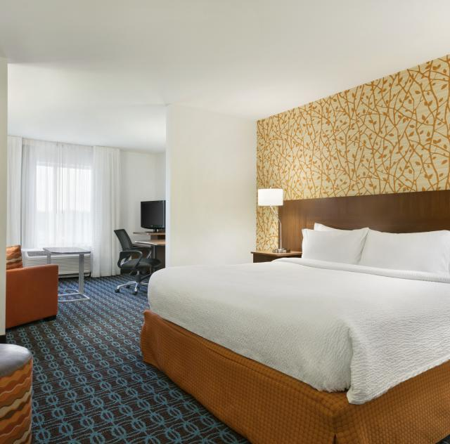 Fairfield Inn & Suites Executive King Suite