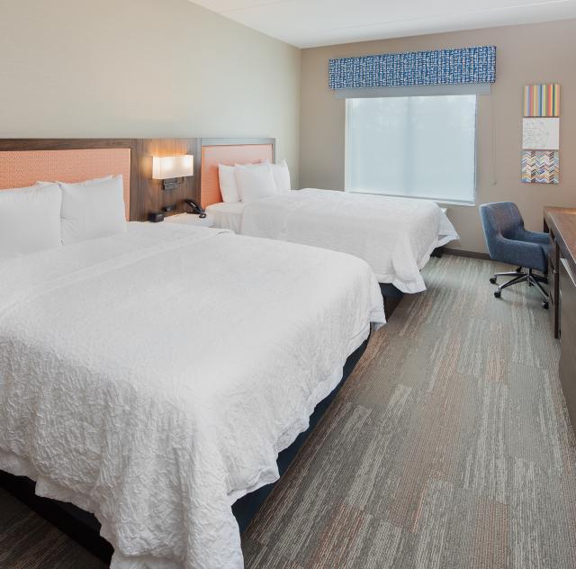 Hampton Inn Smithfield Double Room 2000x1500