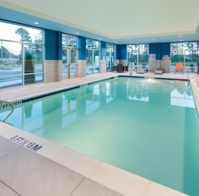 Hampton Inn Smithfield Pool 2000x1500