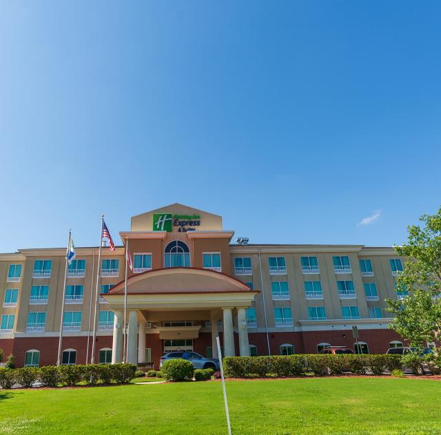 Holiday Inn Express Smithfield 2 2000x1500 72dpi