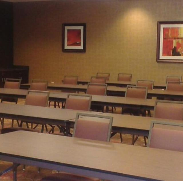 Holiday Inn Express & Suites Meeting Room