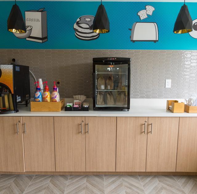 La Quinta Breakfast Room 2 2000x1500 72dpi