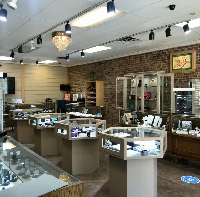 Main Street Jewelers 2000x1500 72dpi