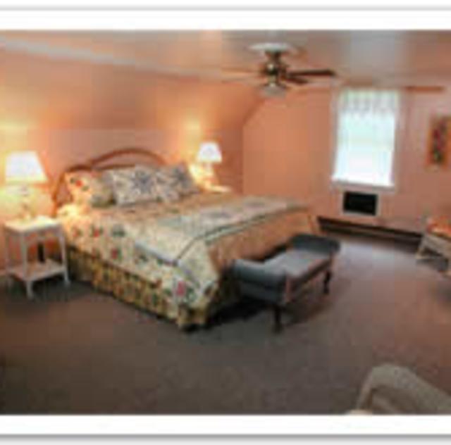 Morning Glory Inn Wild Rose Room