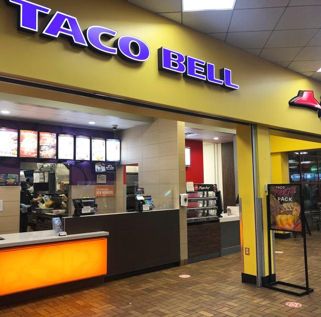 Pizza Hut Taco Bell 2000x1500 72 dpi
