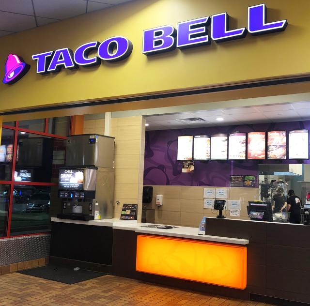 Pizza Hut Taco Bell 3 2000x1500 72 dpi