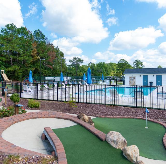 Raleigh Oaks mini golf