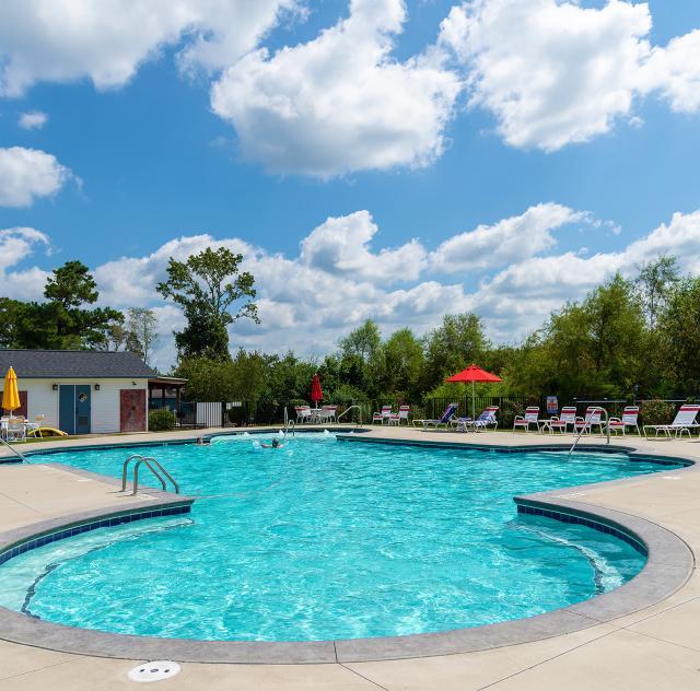 Raleigh Oaks pool