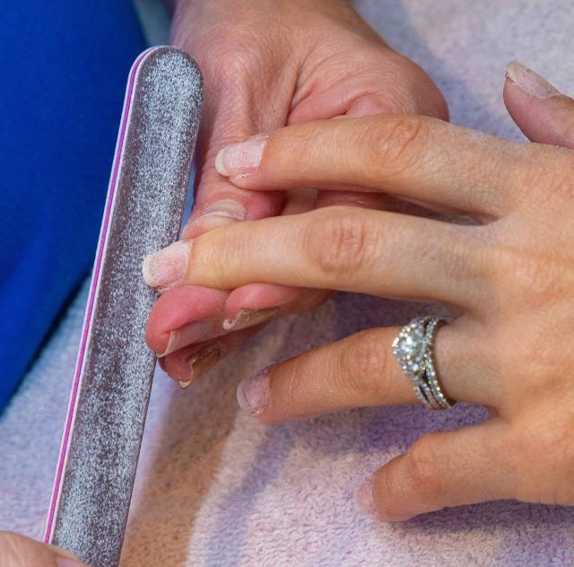 Salon 2911 manicure
