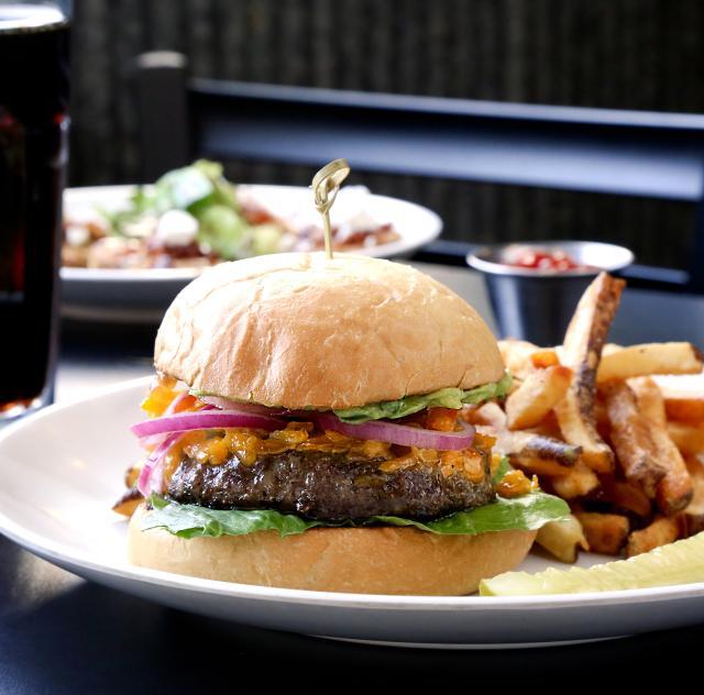Simple Twist Burger with fries 2_2000x1500 72dpi