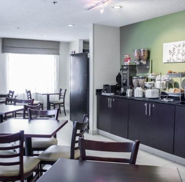 Sleep Inn Garner Breakfast Area