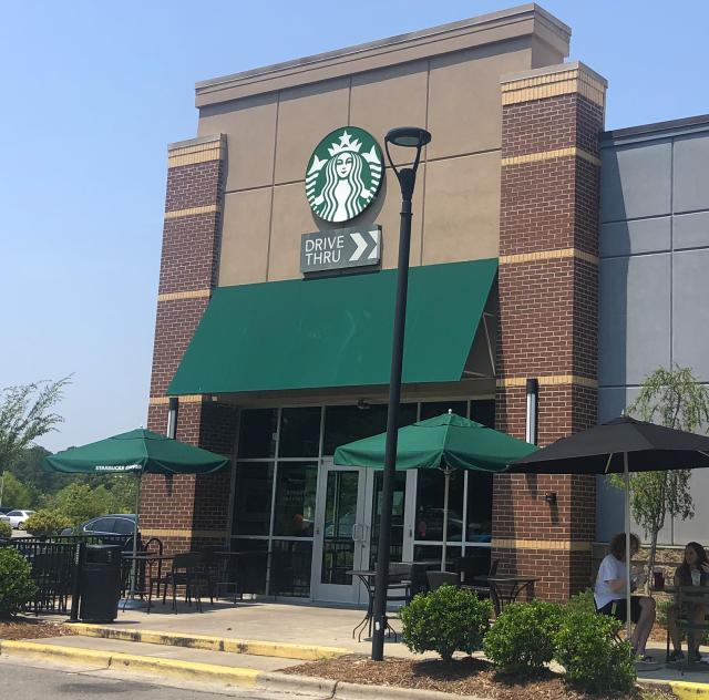 Starbucks Smithfield 2000x1500 72dpi