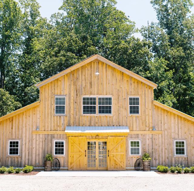 Twin Oaks Barn 2000x1500 72