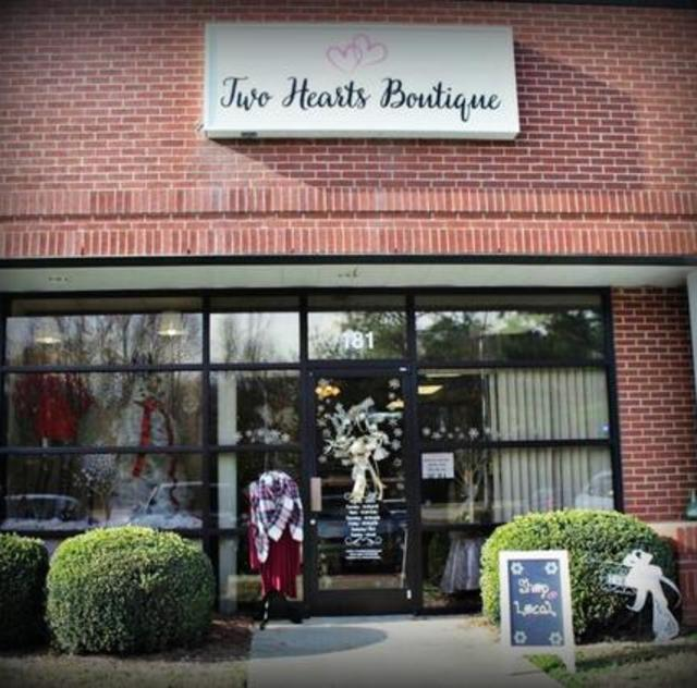 Two Hearts Boutique Exterior
