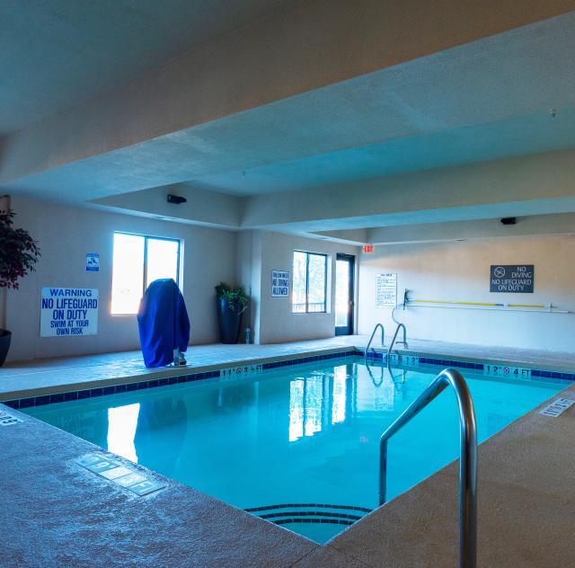 Best Western Pool - Jamaal