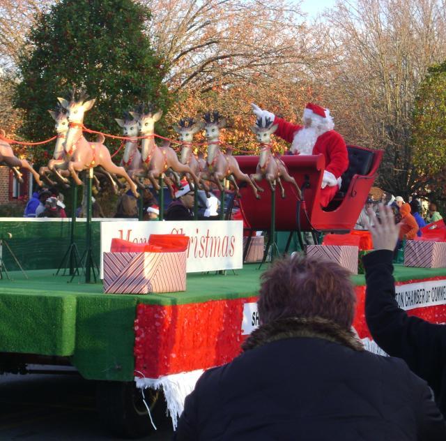 Parades Johnston County Nc Christmas Parade 2021 Clayton Christmas Parade