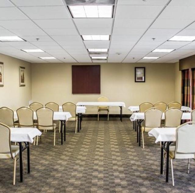 Comfort Suites Meeting Room