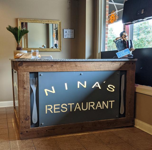 Nina's Restaurant & Bar