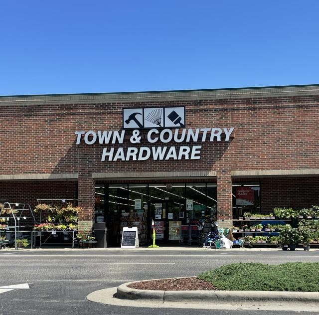 TOWN & COUNTRY HARDWARE - MCGEE CROSSROADS
