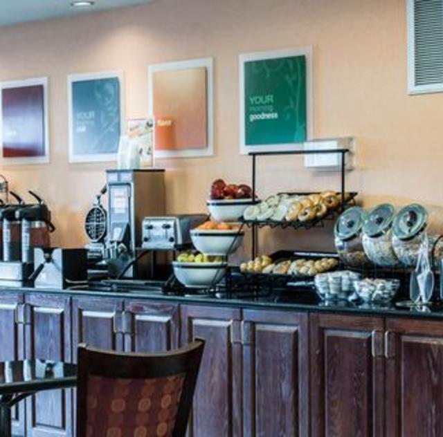 Comfort Inn Smithfield Breakfast Area