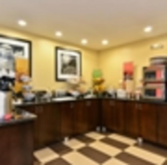 Hampton Inn Garner Breakfast Area