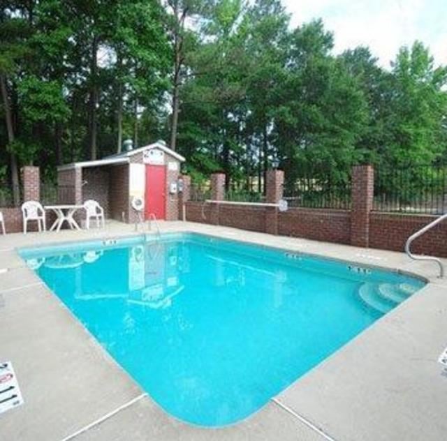 Quality Inn Kenly Outdoor Pool