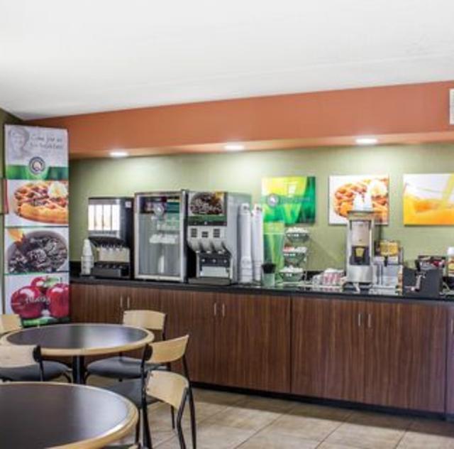 Quality Inn Selma Breakfast Area