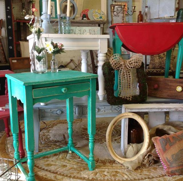 Trackside Antiques & Collectibles