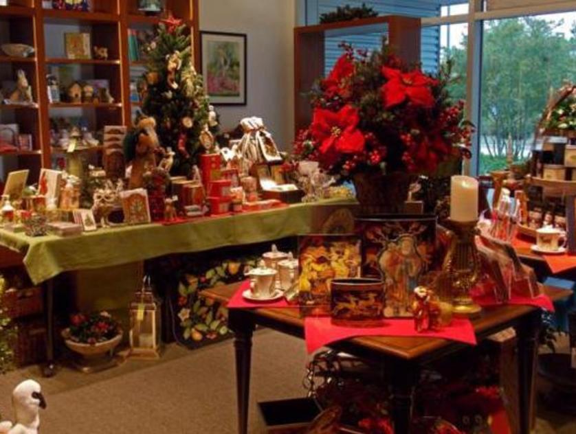 christmas shop at bayou bend 2