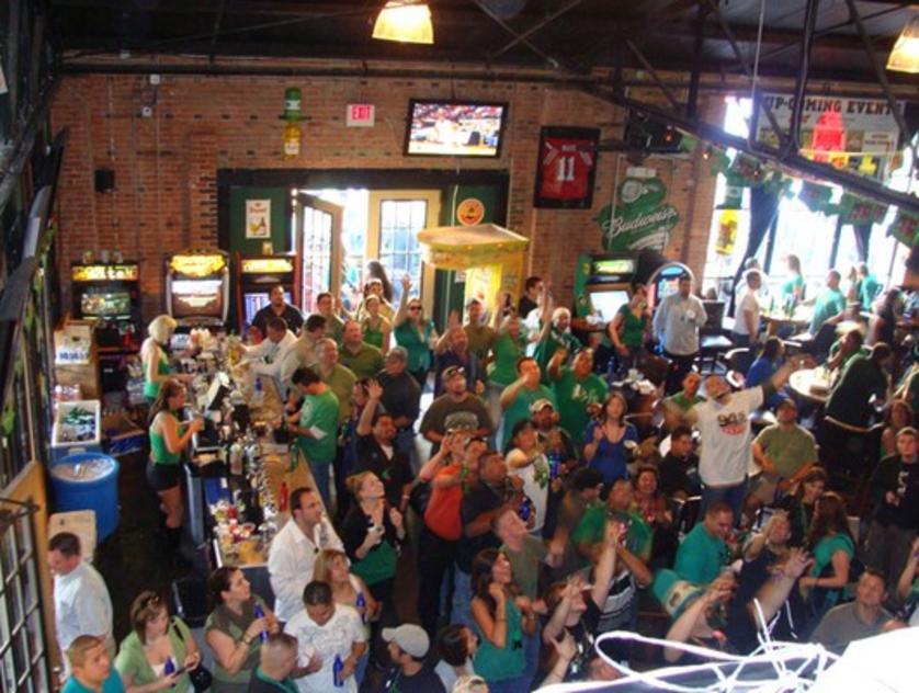Lucky's Pub
