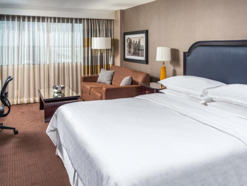 Sheraton North Houston Room