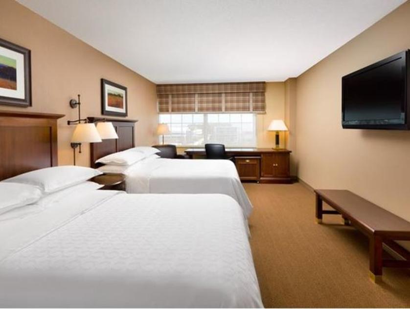 Sheraton Houston West Room