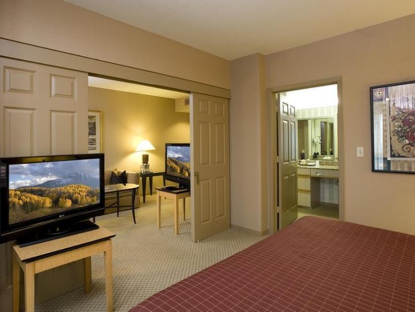 Sheraton Suites Galleria