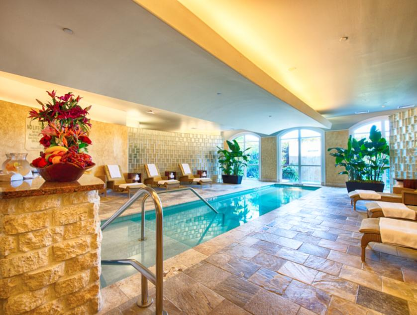 Trellis Spa Float Pool