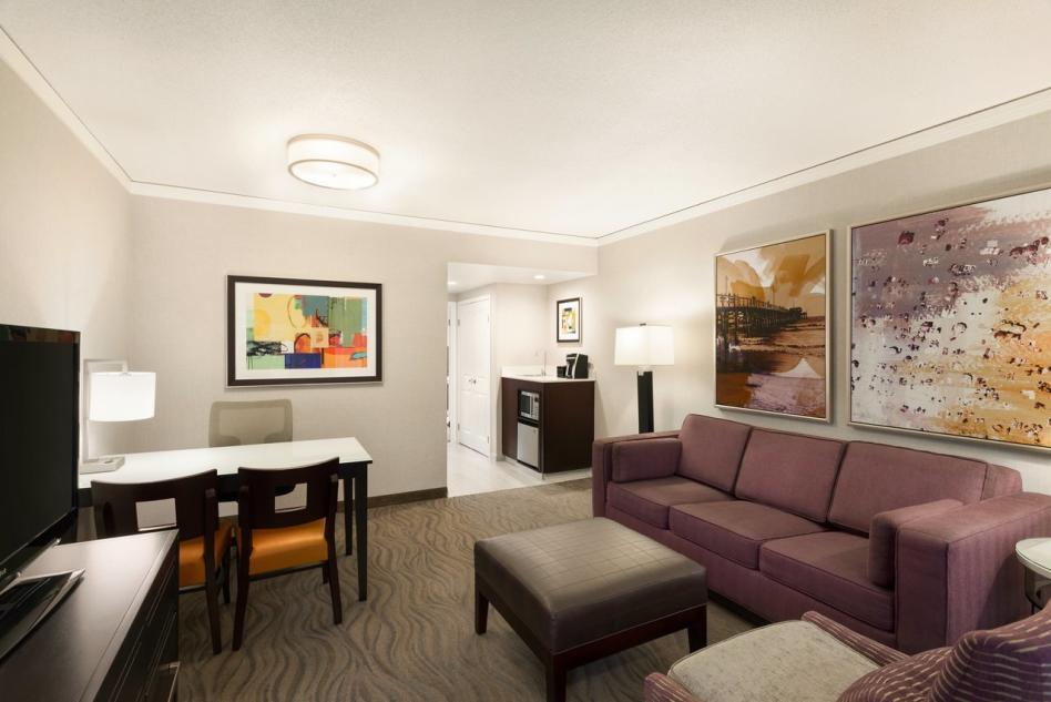 Embassy Suites King Suite Parlor